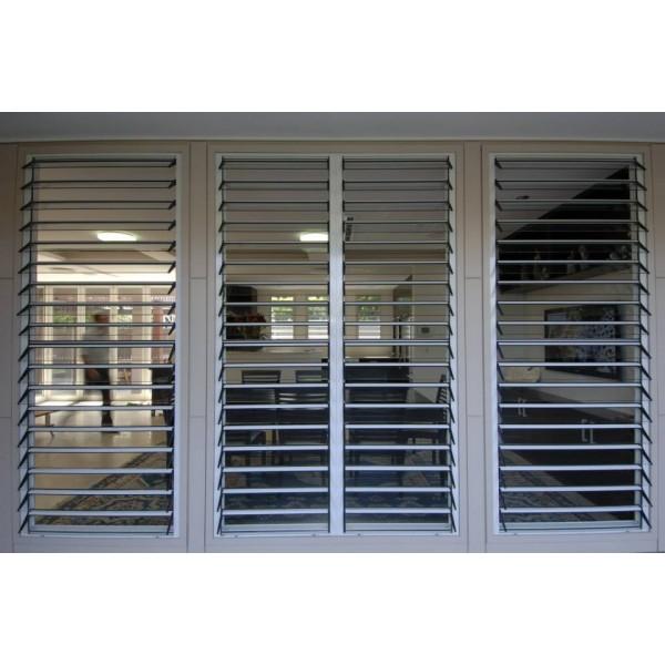 Adjustable Aluminum Glass Louvered Windows Inbuilt